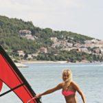 10 w skali Beauforta, czyli gdzie pływać na windsurfingu i jaka jest surferska subkultura