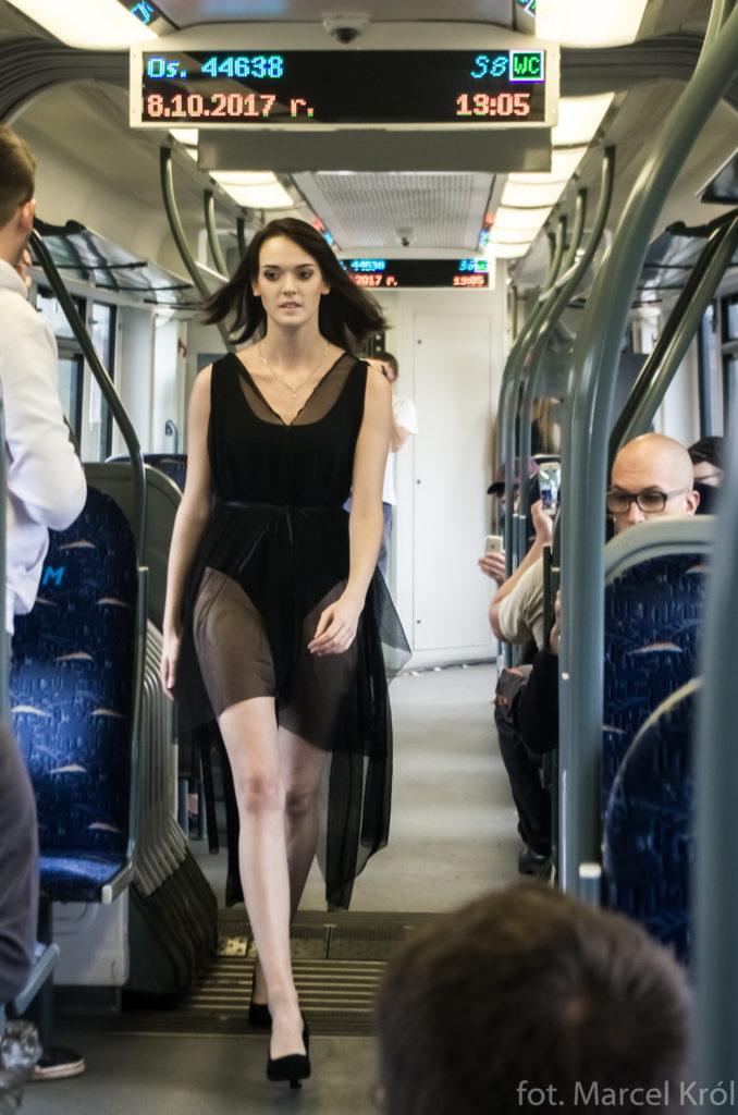 trainfash pierwszy w polsce pokaz mody w pociągu